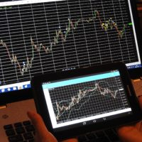How to Make Profits with Correlation Forex Trading